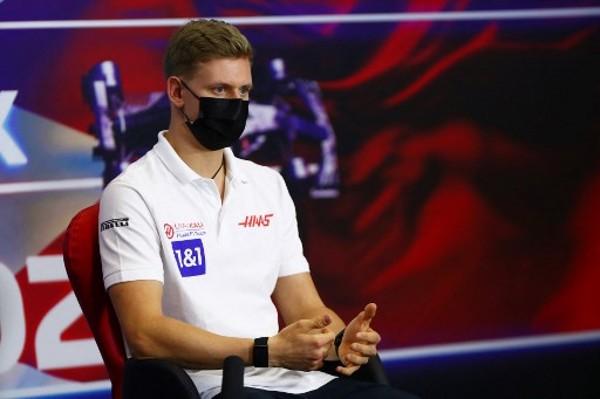 小舒密加首戰F1感謝「冰人」教路
