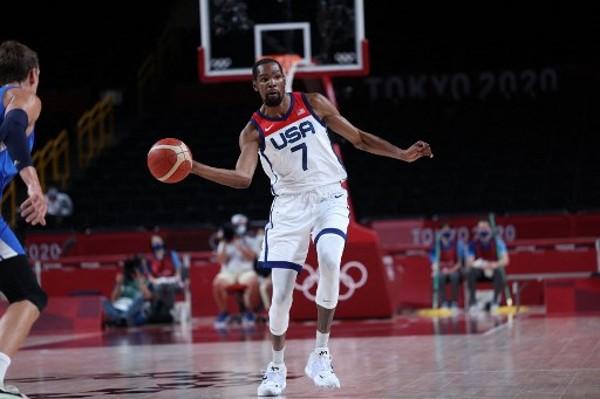 杜蘭特成為美國男籃史上累積得分最多的球員。