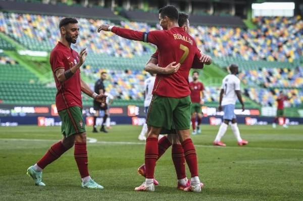 般奴2+1 葡萄牙4:0出「色」