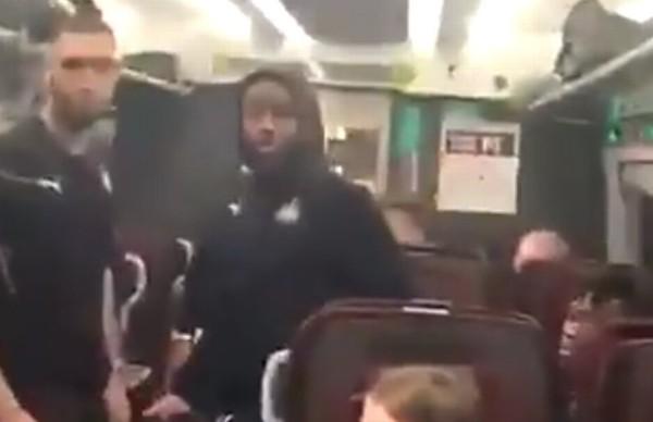 紐記4子坐火車跟球迷對罵