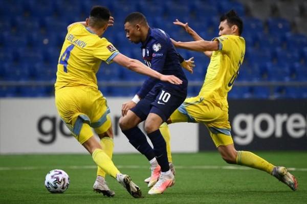 安巴比射失12碼 法國2:0哈薩克