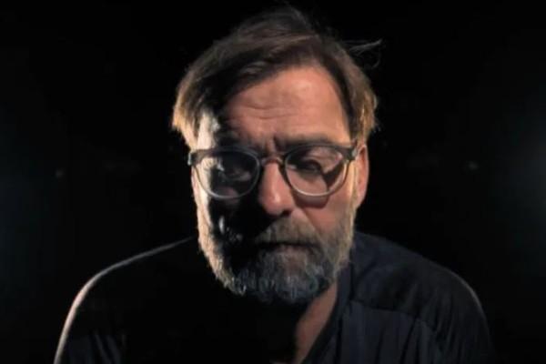 高普出現在悼念猶太人大屠殺的短片中。