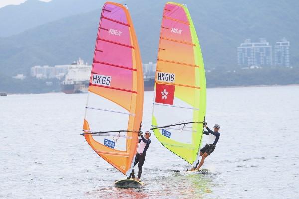 鄭俊樑陳晞文為港征東奧滑浪風帆項目